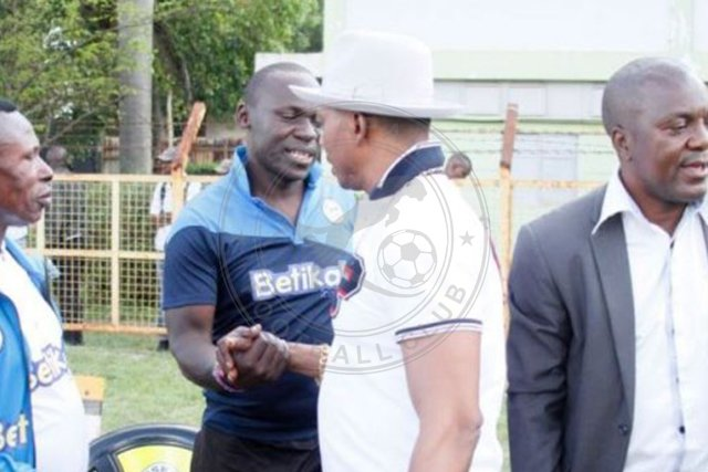 Sofapaka_FC_Club_president_greeting_the_assistant_coach_baraza (2)