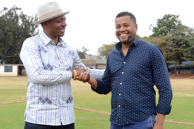 President Elly Kalekwa welcoming the new coach Divaldo Alves