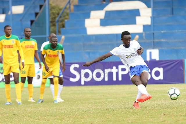 elly_asieche_taking_a_penalty_during_sofapaka_game